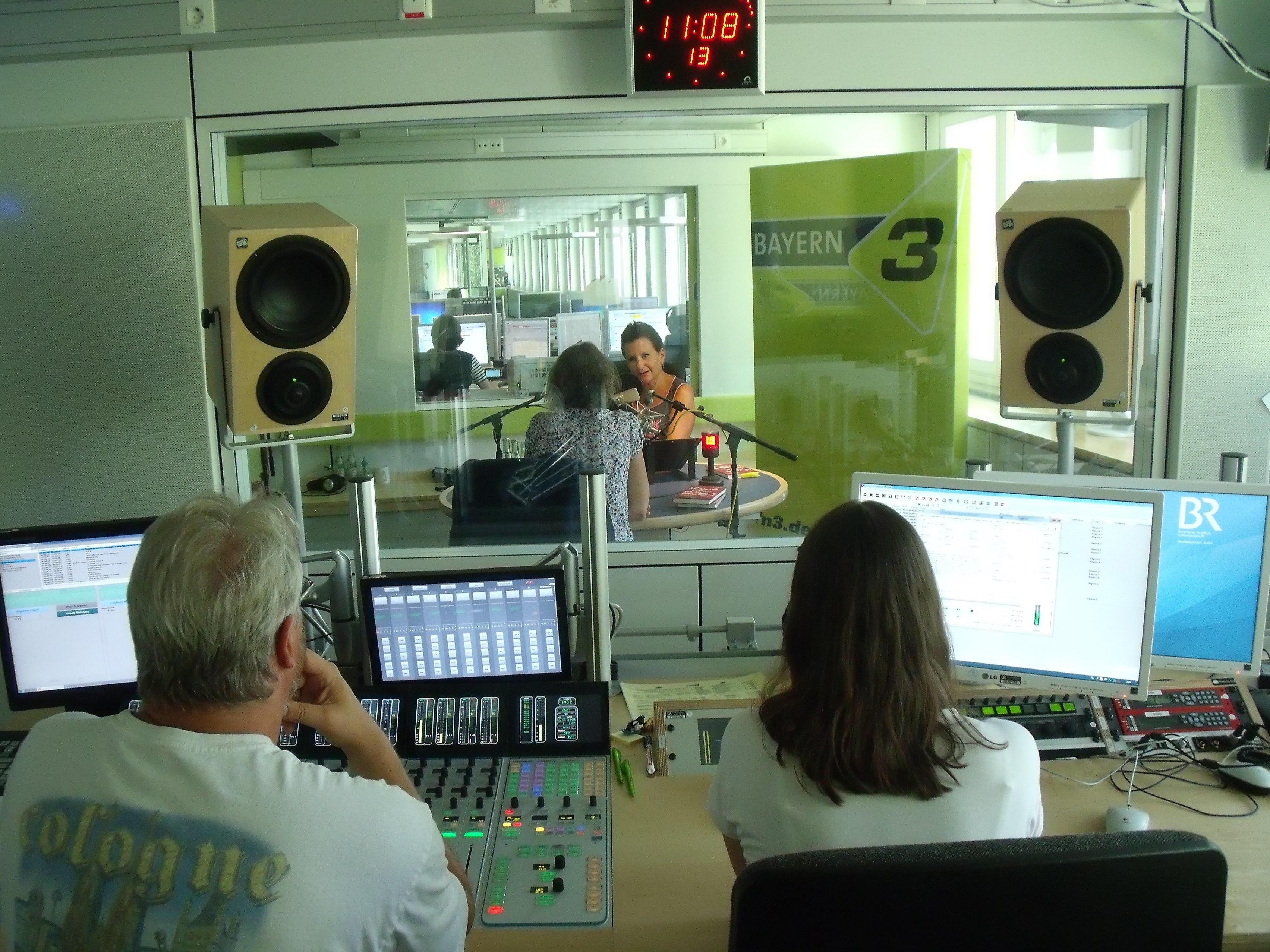 Clown Julchen im Bayern 3 Studio - Mensch Theile