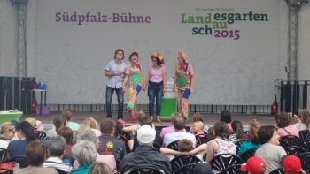 Clownprogramm auf der Südpfalzbühne bei der Landesgartenschau in Landau