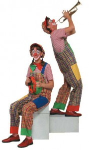 Clown Biene und Clown Julchen mit Trompete