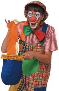 Clown Julchen zaubert Tücher